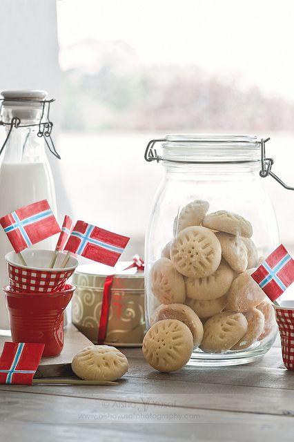 Gratulere med dagen Norge! ♥ by aisha.yusaf, via Flickr