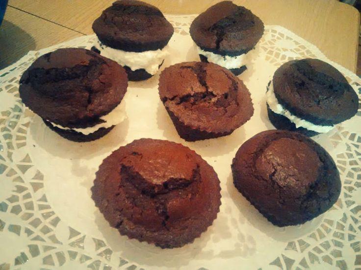 Muffin al cacao ripieni di panna u.u