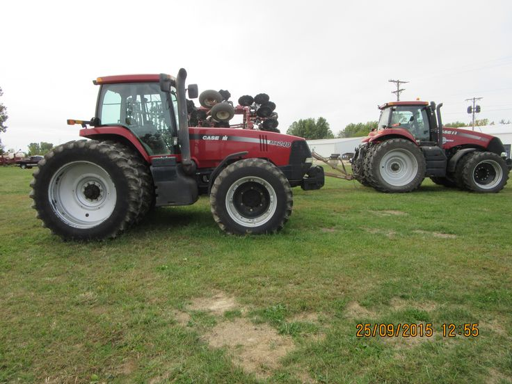 CaseiH Magnum  290 on right & MX240 on left.This show CIH Magnum styling from 2000 to 2013