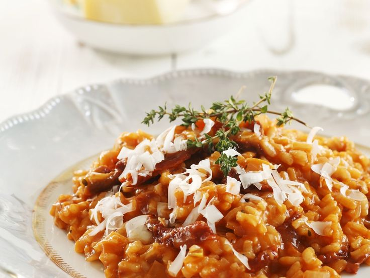 Roter Risotto mit Parmesan und Thymian | http://eatsmarter.de/rezepte/roter-risotto-mit-parmesan-und-thymian