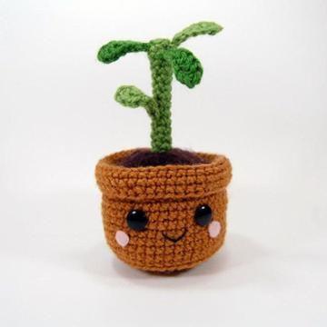 Pull and grow plant amigurumi pattern