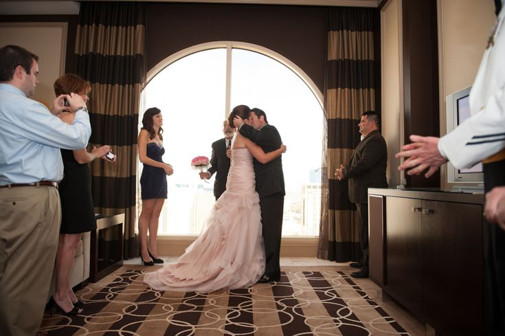 Erin And Mike S Bellagio Suite Wedding From The R2 Studio