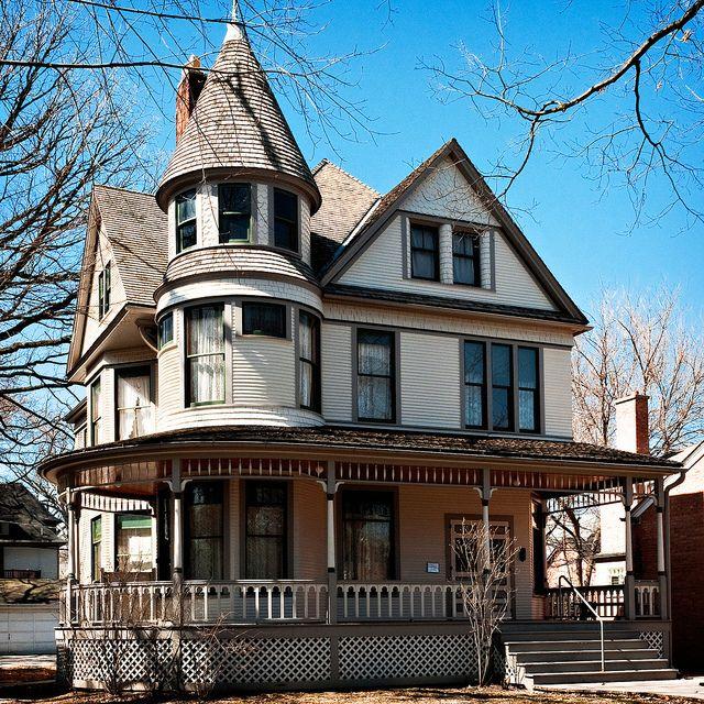Ernest Hemingway birthplace home (built 1890), 339 N. Oak Park Avenue, Oak Park, IL