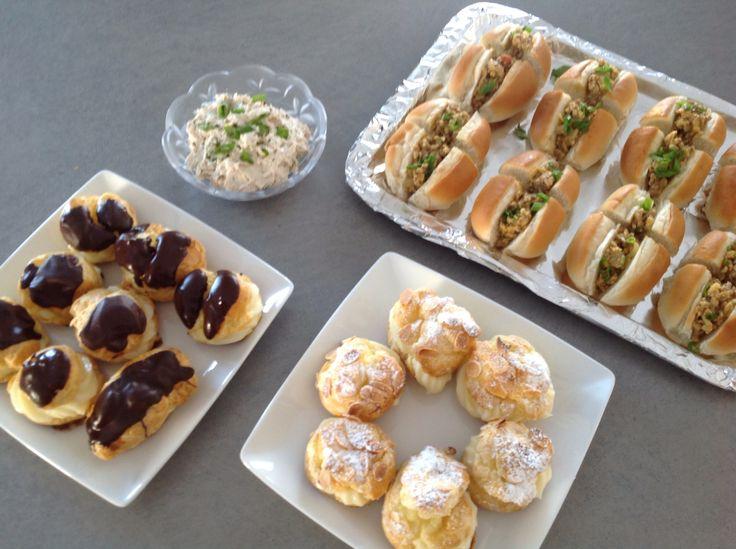 Petites bouchées- Verrine de thon et ses croûtons, profiteroles chocolat et amandes et pains fourrés veau et échalotes JR