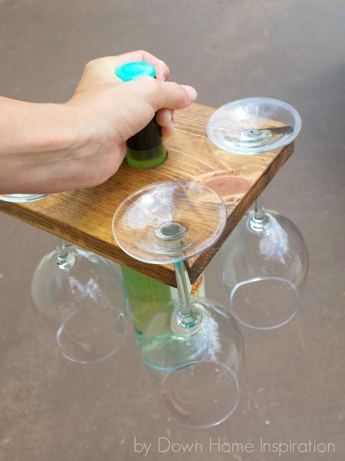 Suporte para garrafas e taças
