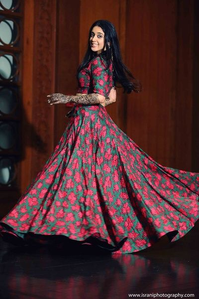 light lehenga, floral print lehenga, red and green lehenga, three quarter sleeve, crop top lehenga, mehendi outfit, cotton