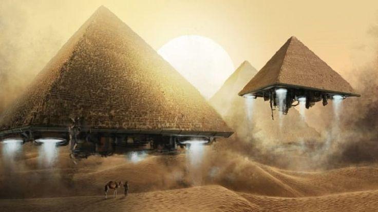 ICYMI: 5 motivi che portano a pensare che nel'antico Egitto ci siano stati contatti con gli alieni