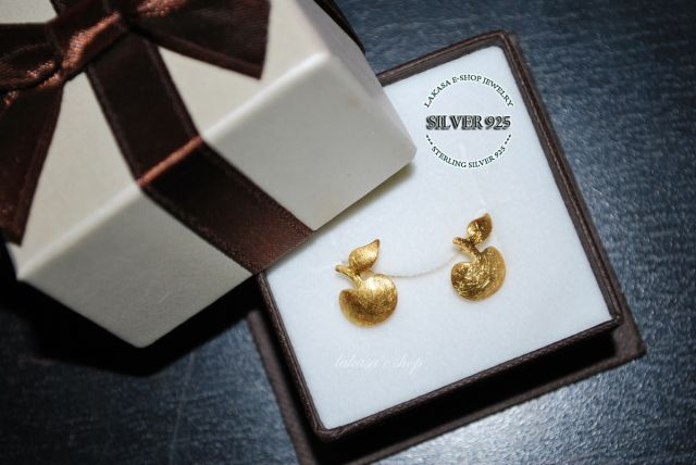 #apple #stud #earrings #sterling #silver #gold #plated #jewelry #design #cute #gift #forher #woman #girl #birthday #motherday #anniversary #girlfriend #valentine #adam #eve #passion #love