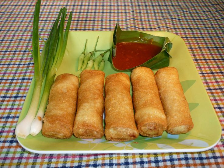 Tradisional food from Semarang called Lumpia.