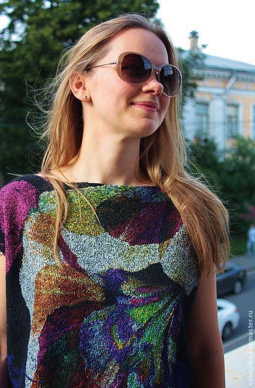 Купить или заказать Валяное платье Жароптицево перо в интернет магазине на Ярмарке Мастеров. С доставкой по России и СНГ. Материалы: натуральный шёлк, Мериносовая шерсть,…. Размер: свободный <br /> ОГ-120<br /> длина 95