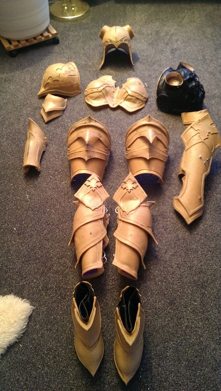 demon hunter from diablo 3 leg armor