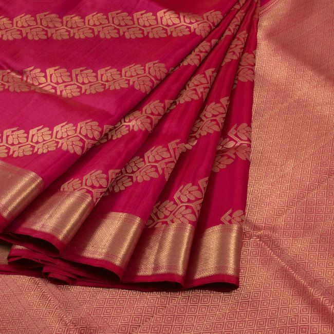 Buy online Handwoven Magenta Kanjivaram Silk Saree With Diagonal Floral Stripes 10013100