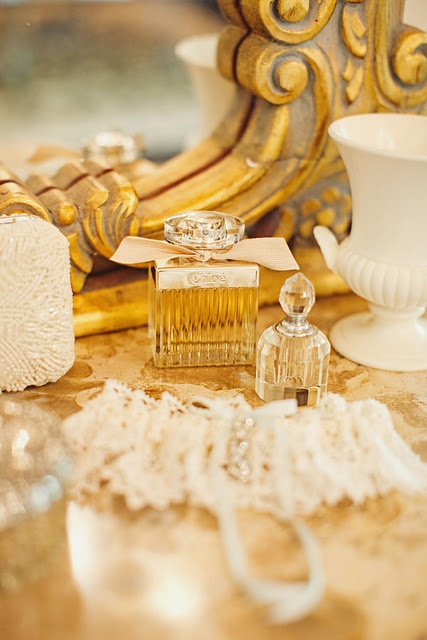 ChloeFragrance, Gold Glitter, Inspiration, Dressing Tables, Dresses Tables, Beautiful, Vanities, Perfume Bottle, Gold Accessories