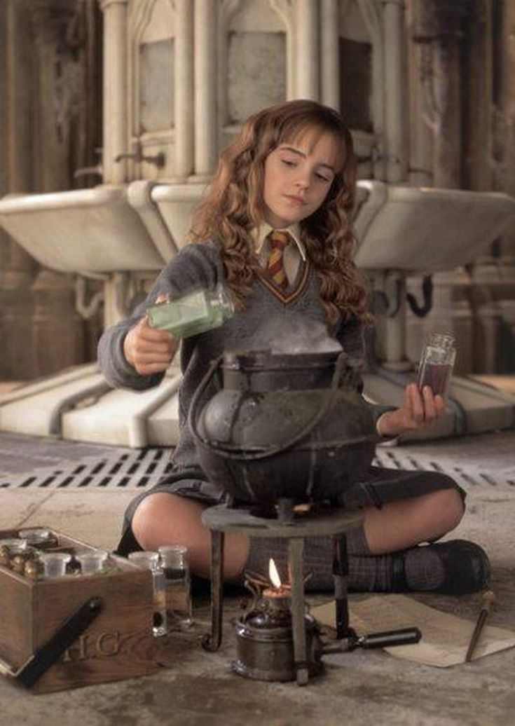 How to Make Harry Potter Costumes: How-To Hermione Costume