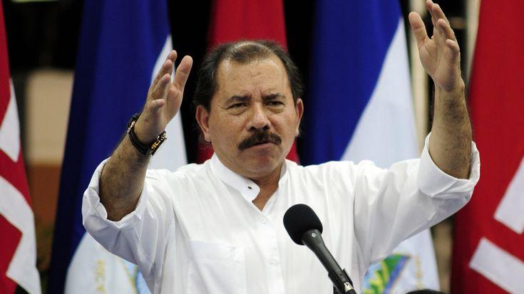 Ortega va por la reelección en comicios sin observadores en Nicaragua  Las elecciones nicaragüenses se llevan a cabo este domingo. El líder sandinista es el favorito y sería elegido por cuarta vez como presidente. Daniel Ortega líder del sandinismo sería reelegido por tercera vez consecutiva.