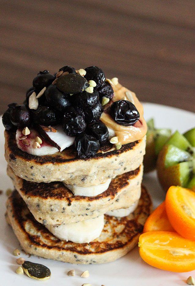 Pancakes super fluffy (vegan, sans sucres raffinés, sans matière grasse ajoutée)