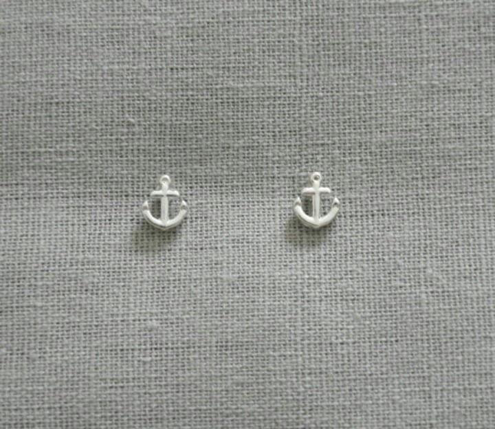 Tiny anchor earings.