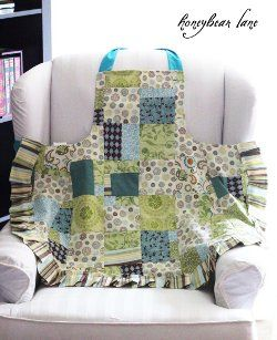 ~ Lined Patchwork Apron.. ought DianaSue...Im  thinking birthday present (in blue & white of course) ;-)