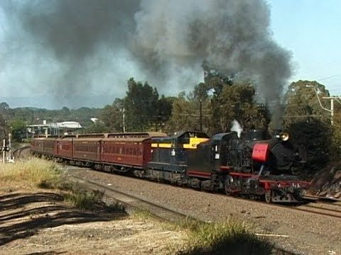 Steam Train on the North East - J515 to Violet Town 8 Nov 2003: Australian Trains - YouTube