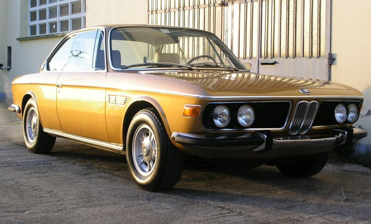 BMW 3.0CSi in rare color Ceylon. What a beauty!