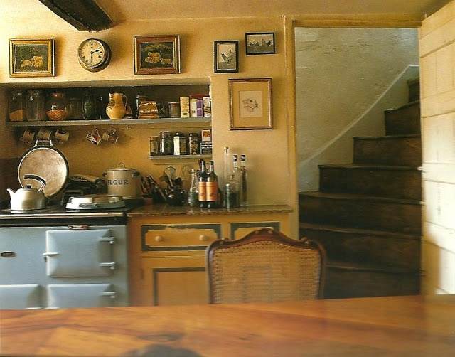 Pin by jackie lalouve on cuisine kitchen pinterest for English country cottage kitchen