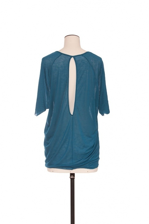 Tunic made of tencel. Really thin material. By Alchemist.