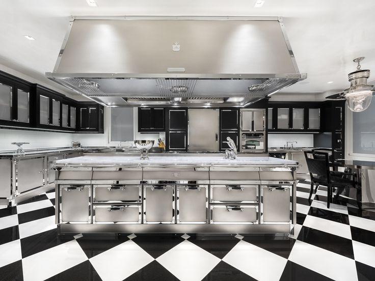 Officine Gullo. Park Avenue Project. Piani cottura professionali, barbecue a pietra lavica, fry-top in acciaio, cuocipasta-vaporiera e friggitrice.