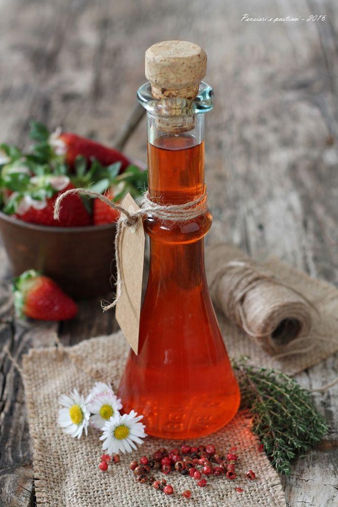 aceto aromatizzato alle fragole timo e pepe rosa 3