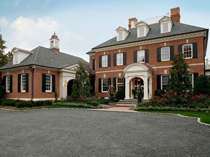 Best 25 brick and stone ideas on pinterest stone for Beautiful classic homes