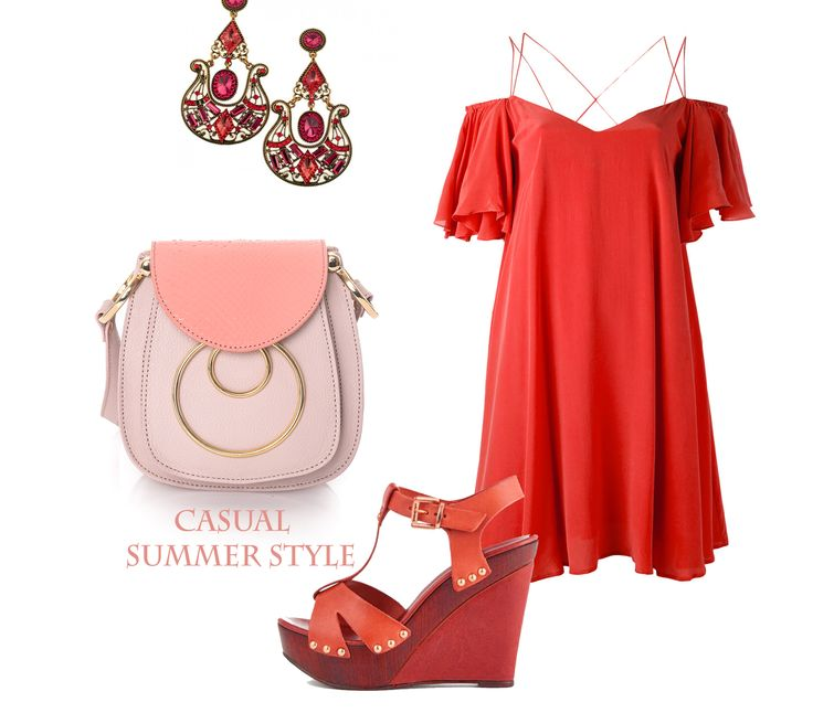 Wearing elegant accessories with casual outfits has never been more stylish. These refined leather bags that inspire elegance can be easily paired with comfy summer dresses, short colorful rompers and with a lot of other clothing items. We simply adore this vacation look!