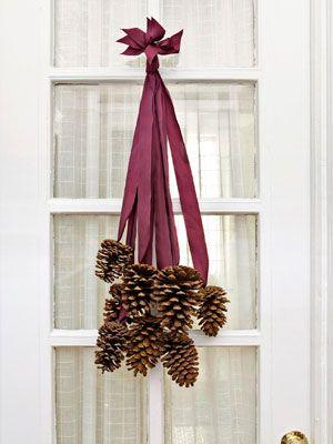 Great for fall: an easy pinecone door hanger.