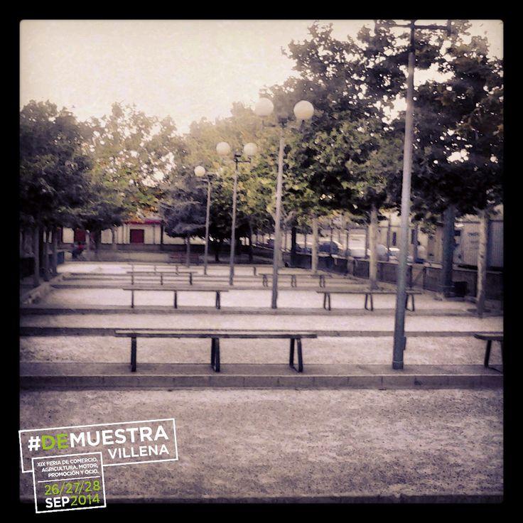 Pistas de petanca en la Plaza del Mercado. #DeMuestraVillena www.muestravillena.villena.es www.facebook.com/Muestravillena @muestravillena