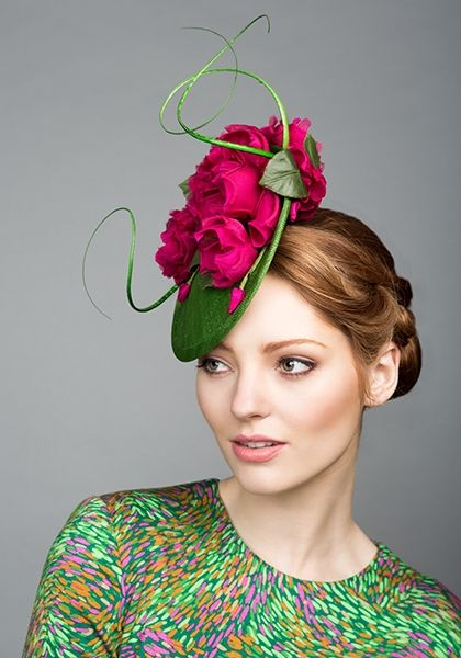 R1580 - Green fine straw mini disc with pink silk roses and quills