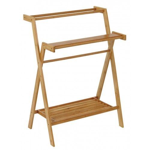 Handtuchständer aus Holz mit praktischer Ablagefläche die bei Bedarf entfernt werden kann.