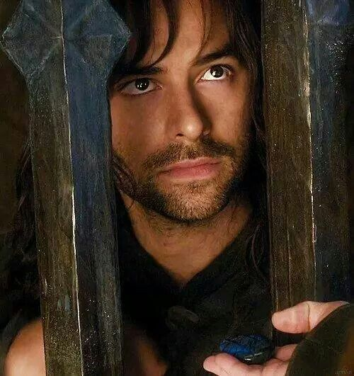 Kili - those soulful puppy dog eyes....Tauriel stood no chance against that.<<<<no one does