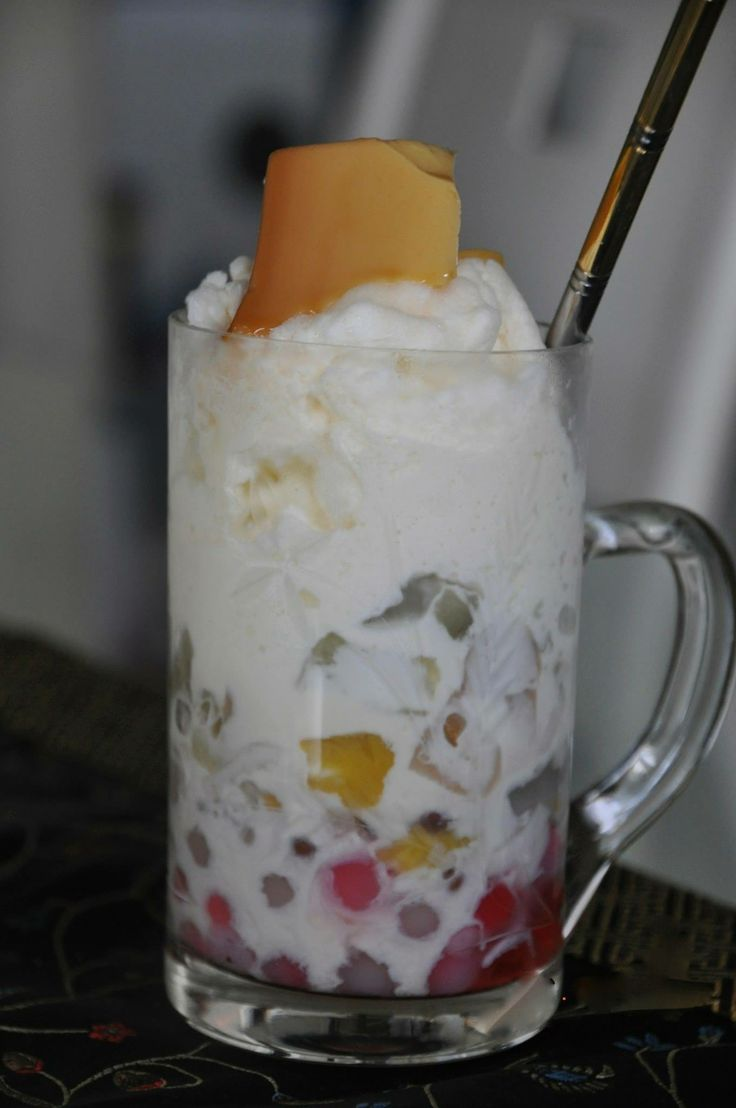 Halo-Halo (dessert ) Made from shaved ice, tapioca pearl, coconut/gel ...