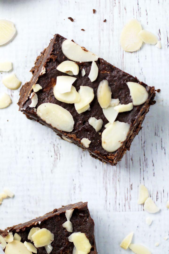 Vegan Chocolate Almond Fudge