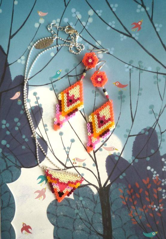 Boucles d'oreilles et collier en perles Hama Hama beads earrings - extra light
