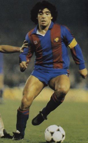 Diego Maradona: Después de la Copa del Mundo de 1982, en junio, Maradona fue transferido al FC Barcelona en España para una continuación, cantidad récord de 5 millones de libras ($ 7,6 millones). Aunque plagado de enfermedades y lesiones, que anotó 38 goles en 58 partidos, 1982-1984. Luego fue vendido a Napoli.