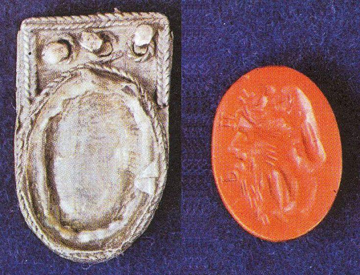 Mikulčice , hrob 433, nákoncí + gemma