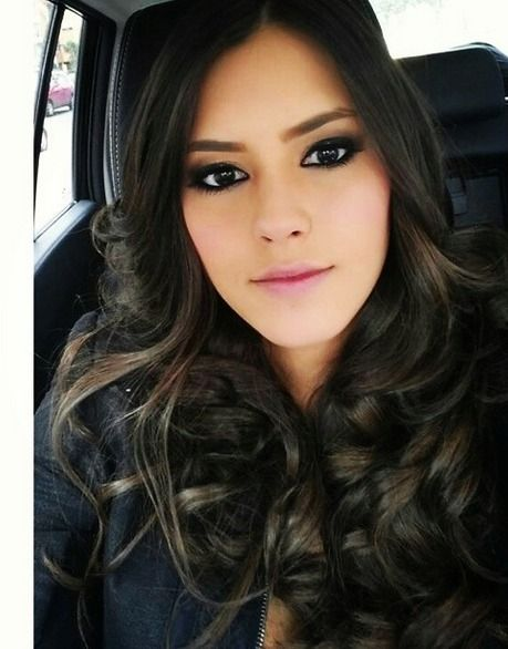 Glamour Long Hairstyles with Layered Wavy Hair for Women from ...