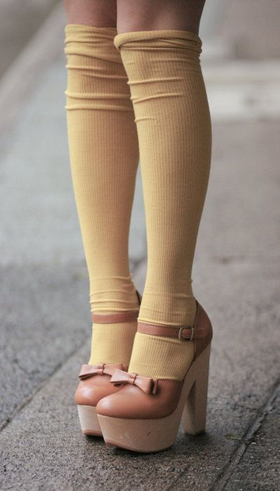 pastel pink bow shoes heels + yellow ribbed knit knee socks legs
