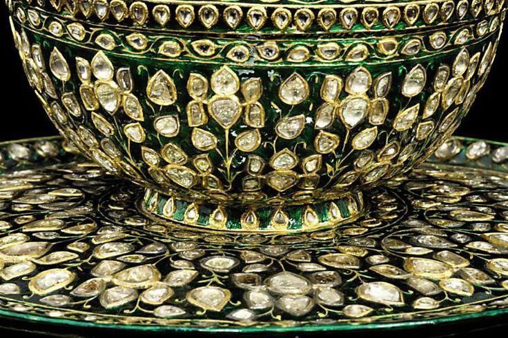 Detail: A diamond-inset and enamelled bowl and stand. Deccan or Mughal India, late 18th century.