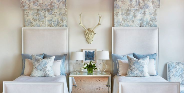 twin beds   2016 Market for Suzanne Kasler / Hickory Chair