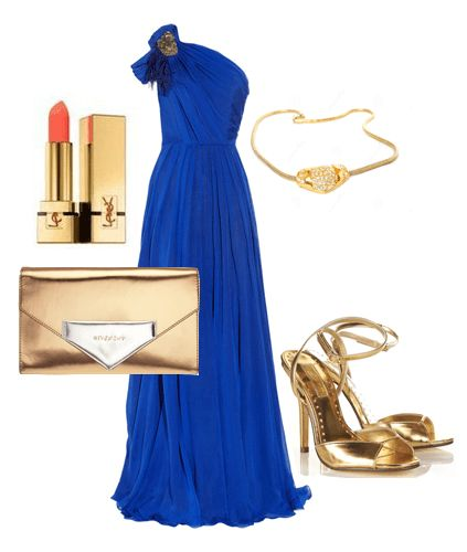 Вечернее длиное платье с золотистым клатчем и босоножками