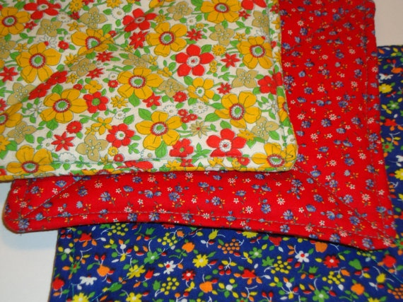Vintage Fabric Hot Pads by AnnieAndAnnie on Etsy, $10.00