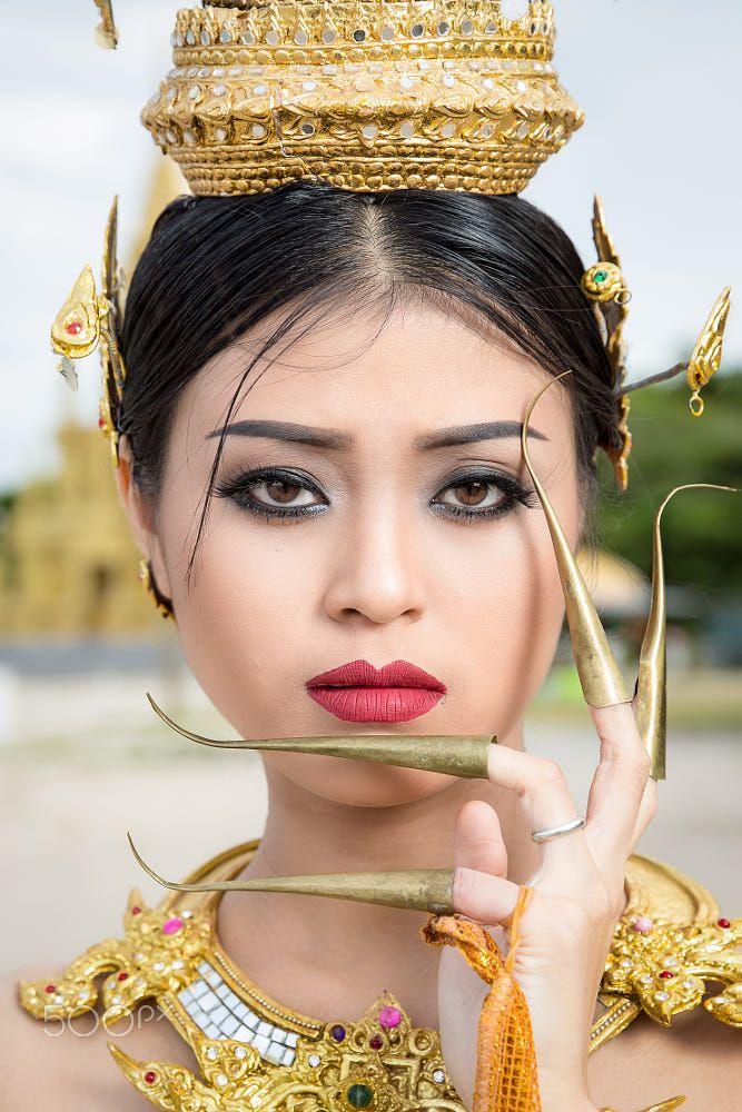 Beautiful thai dancer — pic 12