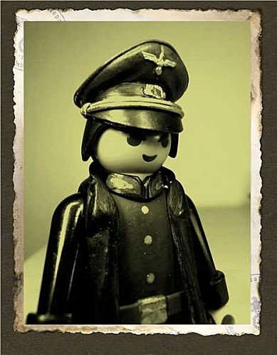 General Rommel - Playmobil style  24 Feb. 2013