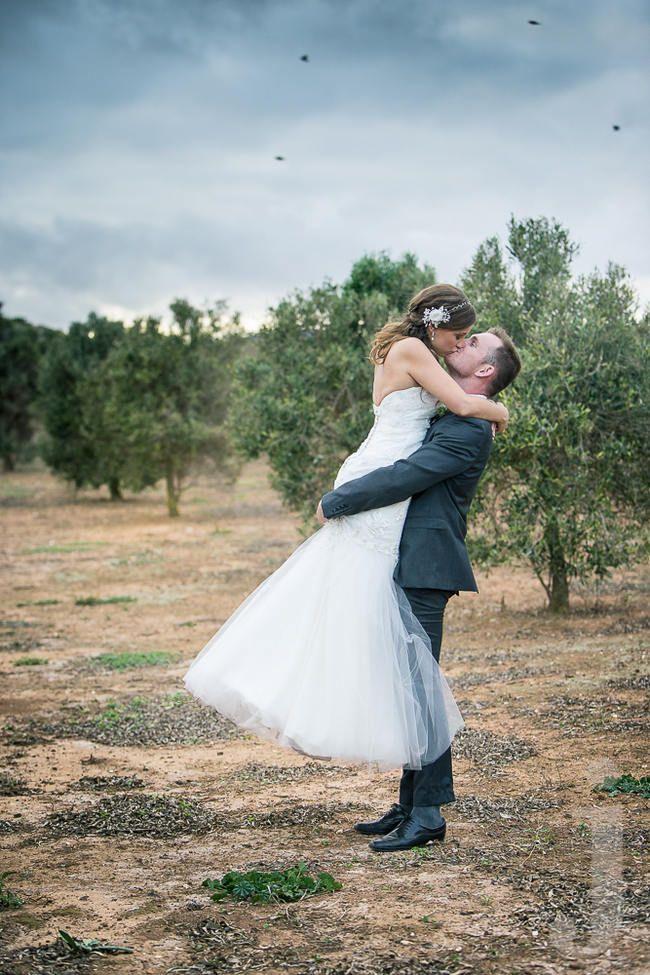 Modern Country-Style Wedding {Jo-Anne Stokes Photography}| Confetti Daydreams Wedding Blog