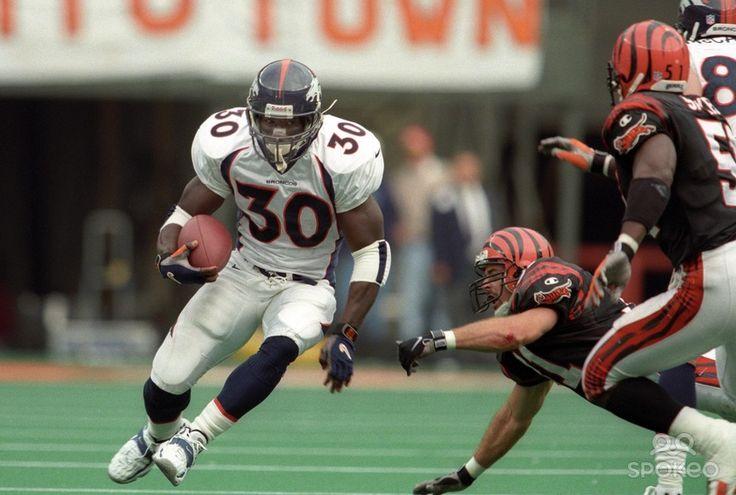 Broncos Running Backs Terrell | Denver Broncos running back Terrell Davis (30) runs with the ball ...